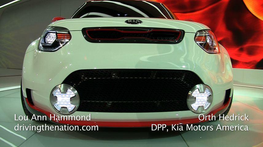 2012_Chicago_Autoshow_Kia