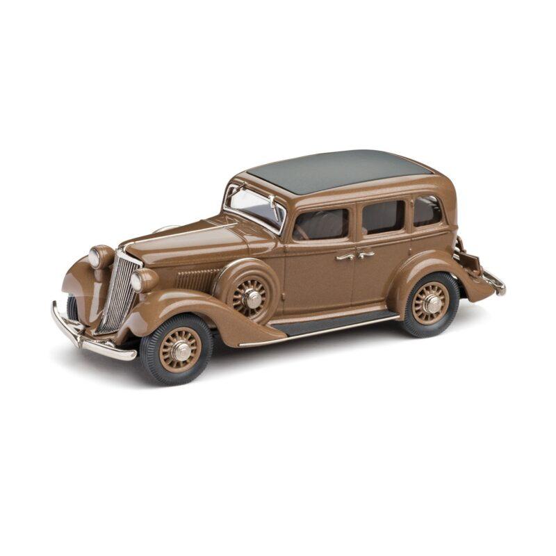 1933-Graham-M64-Bluestreak-4-Door-Sedan-Brooklin model