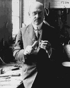 rhgoddard-239x300 Robert Goddard - A history of hydrogen and energy Alternative Fuels Automobiles and Energy Fuel cells