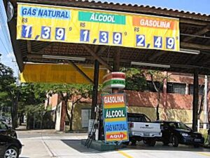 gas_station-300x225 Cosan: ethanol and electricity in Brazil Alternative Fuels Automobiles and Energy BRIC (Brazil, Russia, India, China) Ethanol Technology