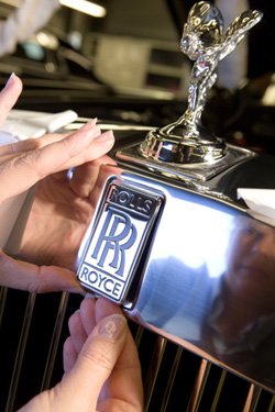 rr_emblem Rolls-Royce: The Hands of Goodwood Automobiles and Energy Rolls Royce Video youtube.com