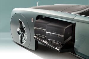 rr_100_luggage-300x199 John Batchelor radio, Rolls-Royce Vision Next 100 Automobiles and Energy Autonomous vehicles Luxury vehicles Rolls Royce