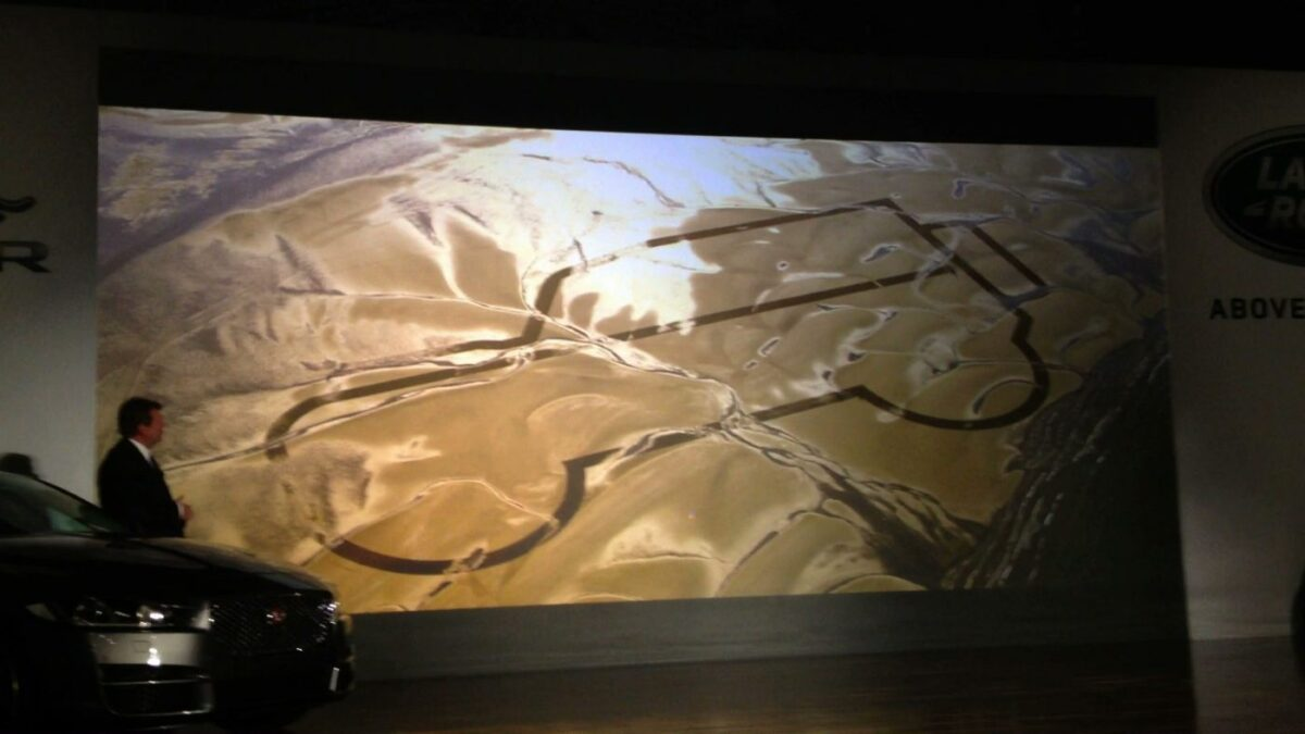 Land Rover draws line in the sand at NAIAS