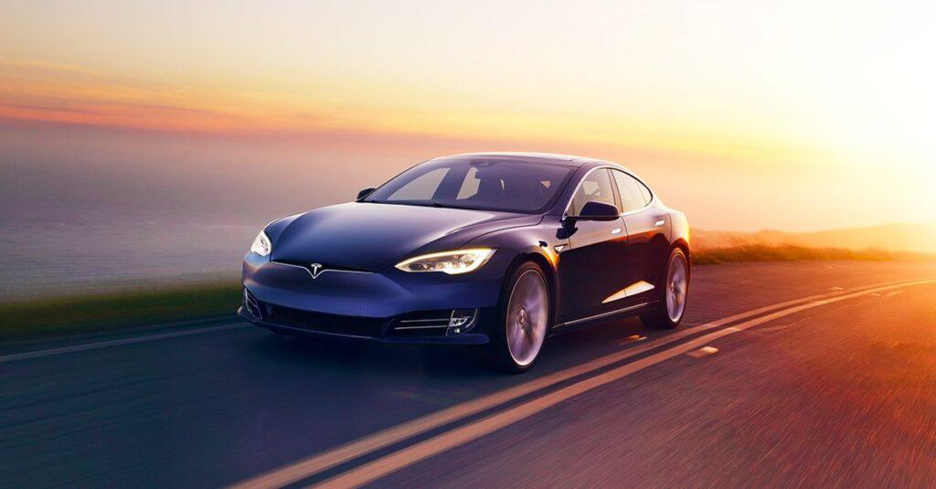 Tesla: No more auto-pilot - self-driving hardware ...