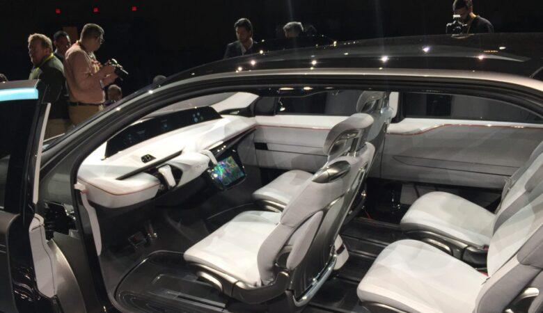 autonomous vehicles, CES2017, Chrysler, minivan, Chrysler Portal, Consumer Electronics Show (CES), portal concept, car designers