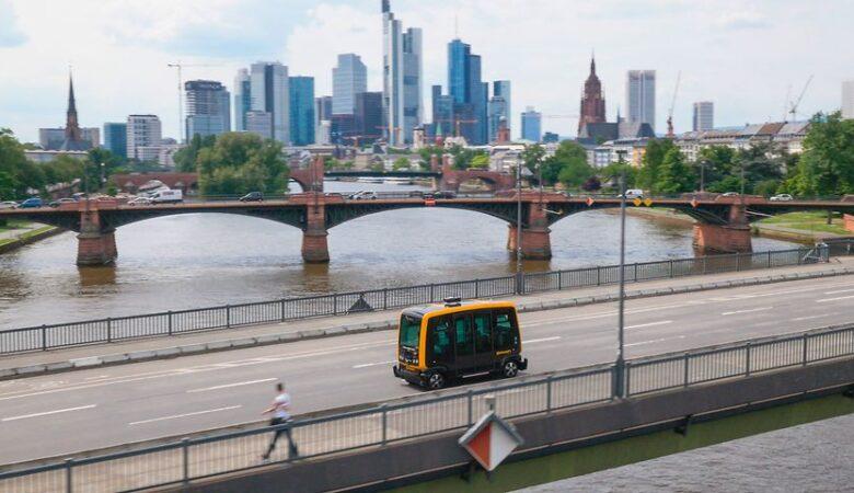 Continental Urban mobility Experience (CUbe) robo-taxi