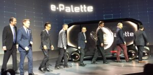 tri_epallete-300x148 Toyota e-Palette changes the moving space concept Automobiles and Energy Toyota