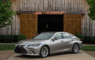 2020 Lexus ES300h new car review