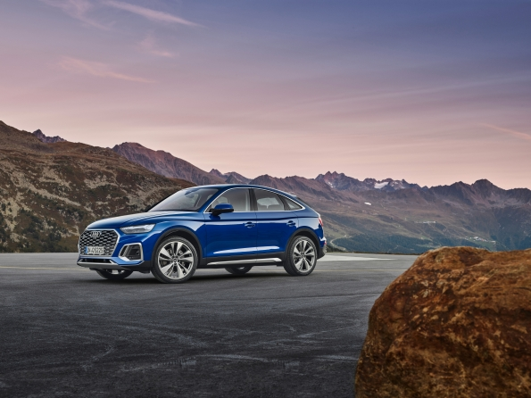 2021 Audi Q5 Sportback with OLED technology