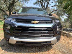 2021-Chevrolet-Trailblazer-grille-300x225 2021 Chevrolet Trailblazer review pricing specs Chevrolet Chevy a General Motors Company an American automobile